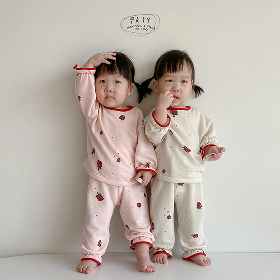 Strawberry top + bottom SET (딸기 상하복 세트)